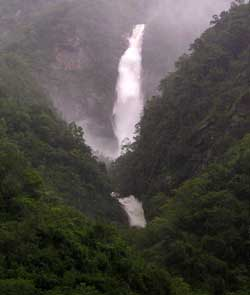 Huge waterfall erupts from the jungle of Taroko Gorge