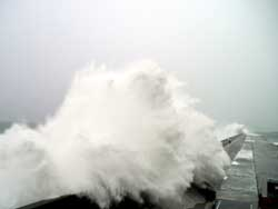 Another massive wave strikes Hualien harbour breakwater